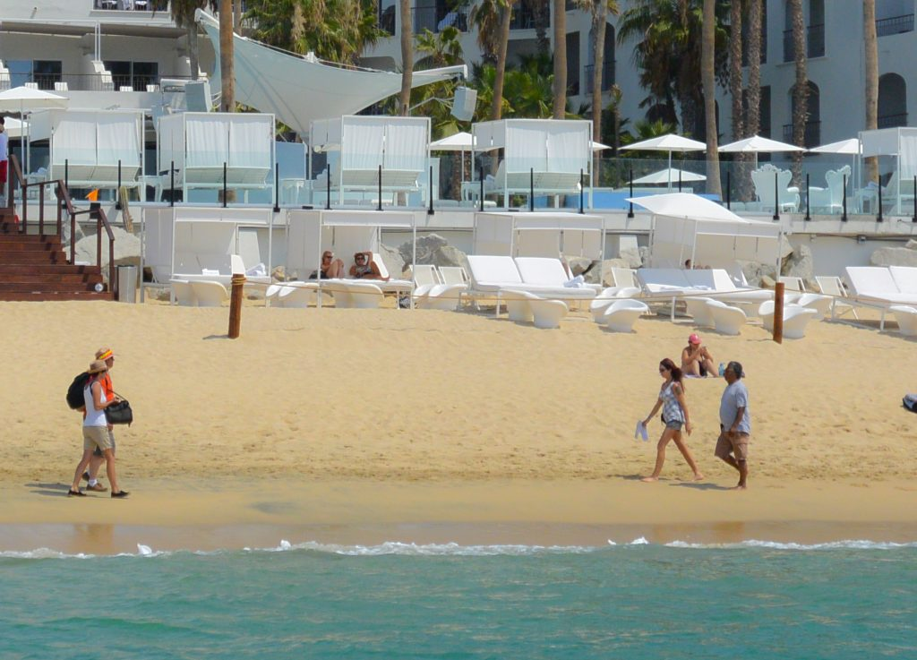 Resort Beach Break in Cabo for cruise ship passengers